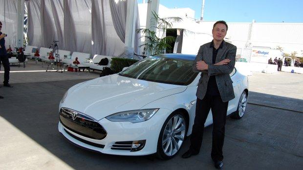 Van receptionist tot boekhouder: iedereen moet Tesla's leveren