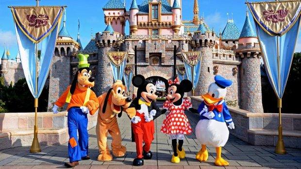 Walt Disney schiet Disneyland Parijs te hulp na moeilijke jaren