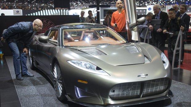 Trotse Victor Muller lacht om kritiek op nieuwe Spyker
