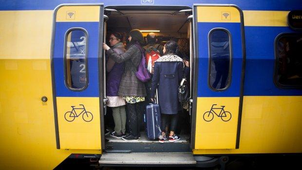 'Spits in trein iets minder druk'