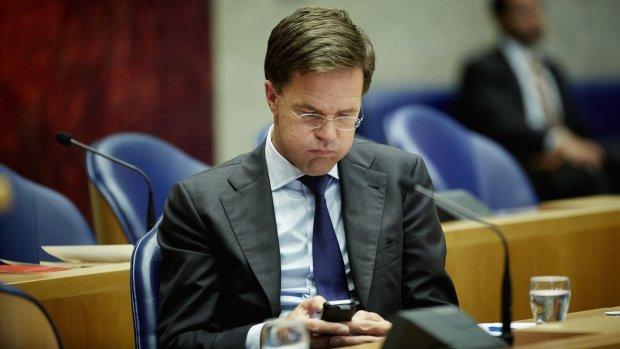 Wat doen we met het Oekraïne-verdrag? Kabinet krijgt tijd om na te denken