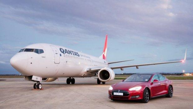 Wat gaat harder: een Tesla Model S of een vliegtuig?