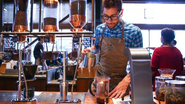 Starbucks gaat 10.000 vluchtelingen aannemen