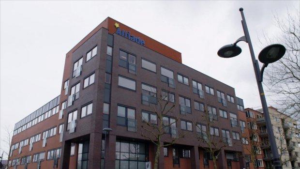 Directeuren thuiszorg sjoemelen met miljoenen euro's zorggeld