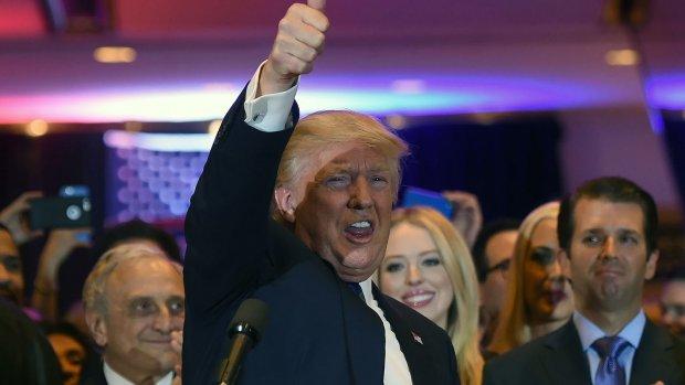 Legertje bots twitterde Trump de hemel in tijdens debat