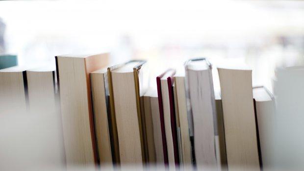 Permanente crisis bij uitgeverijen: omzet blijft maar dalen