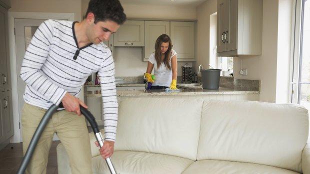 FNV opent aanval op schoonmaakapp Helpling