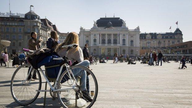 Maandelijks zomaar 2250 euro: Zwitsers stemmen over basisinkomen