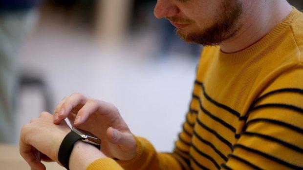 Spieken 2.0: iPhone in de laars, smartwatch om de pols