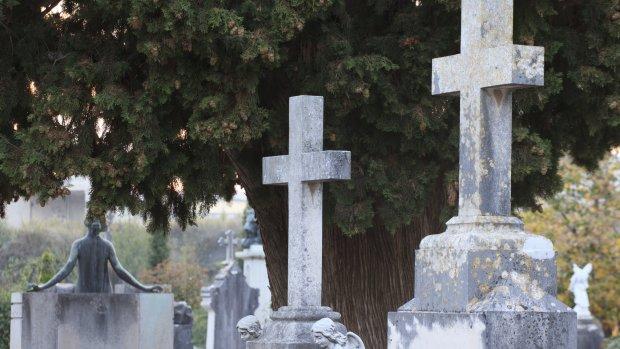 Man verdient drie ton door faken eigen dood