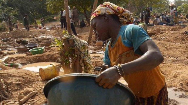 'Mogelijk kinderarbeid in mobieltje en tablet'