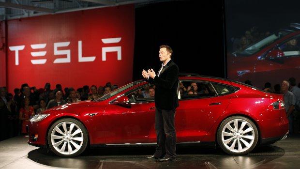 Tesla verwacht tekort aan grondstoffen voor autobatterijen