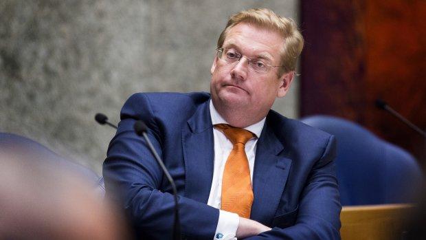 Van der Steur hield belang in bedrijf