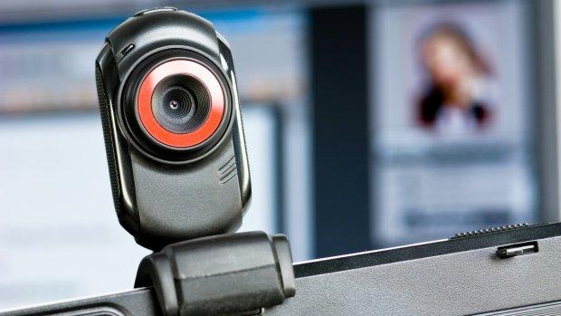 Duizenden gehackte webcams vallen websites aan