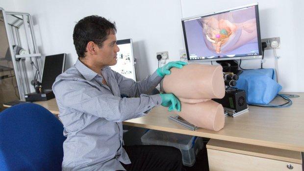 Artsen leren prostaatkanker opsporen met robotbillen