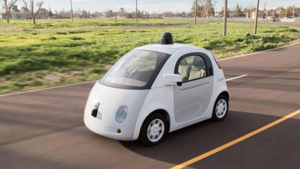 Googles zelfrijdende auto gaat handgebaren van fietsers herkennen
