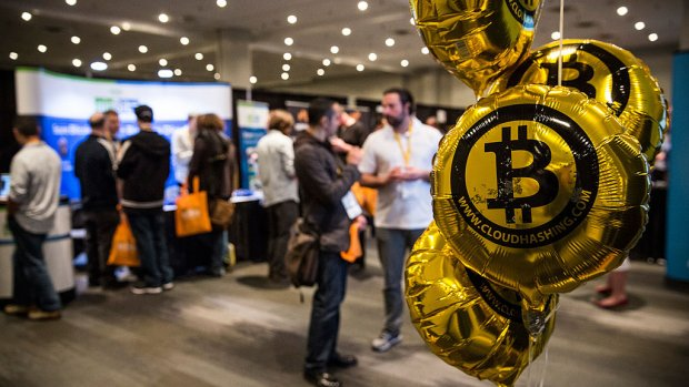 Bitcoins maken levert nog maar de helft op