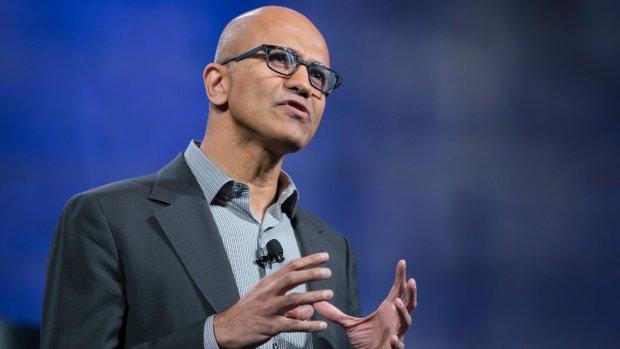 """CEO Microsoft: """"We gaan HoloLens niet van leger afpakken"""""""