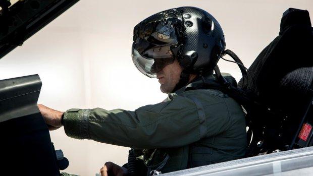 Dwars door JSF heen kijken: piloot kan het met helm van 4 ton