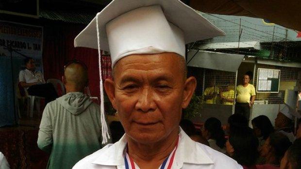 63-jarige man haalt basisschooldiploma achter de tralies