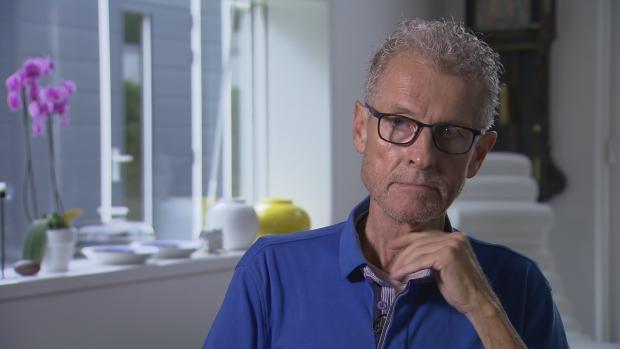 Patiënt omstreden natuurgenezer Klaus Ross: 'Heel blij dat hij mij behandelde'