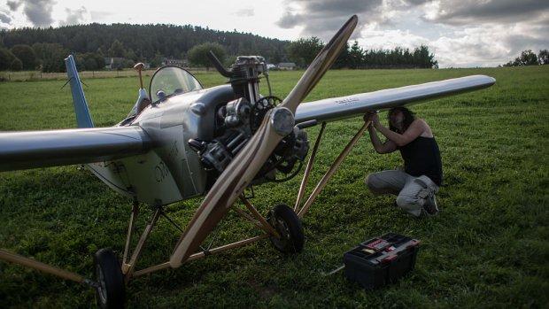 Man bouwt eigen vliegtuig: zeven minuten sneller op werk