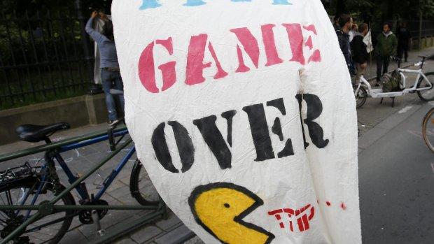 Grootmachten schieten één voor één TTIP af
