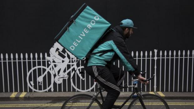 Verenigde Deliveroo-bezorgers: 'we willen geen zzp'er worden'