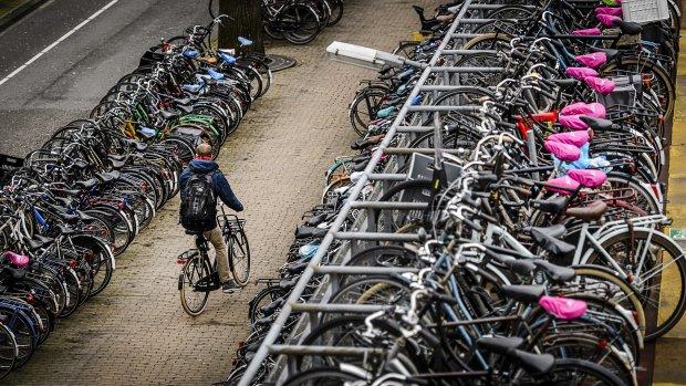 Tienduizenden extra fietsparkeerplekken bij stations