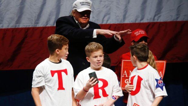 'Trump mag van zijn campagneteam niet meer zelf twitteren'