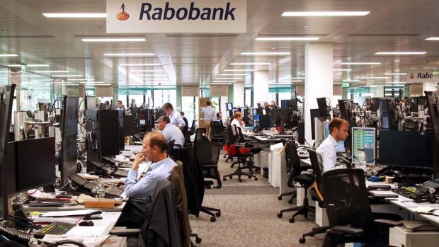 'Ontslagen bankiers langer in WW door vertrekregeling'