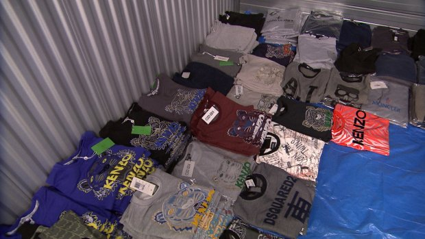 Arrestaties om handel in nep merkkleding op social media