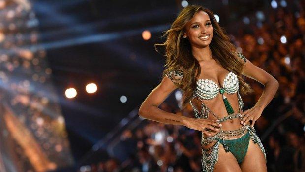 Victoria's Secret showt behaatje van 3 miljoen dollar