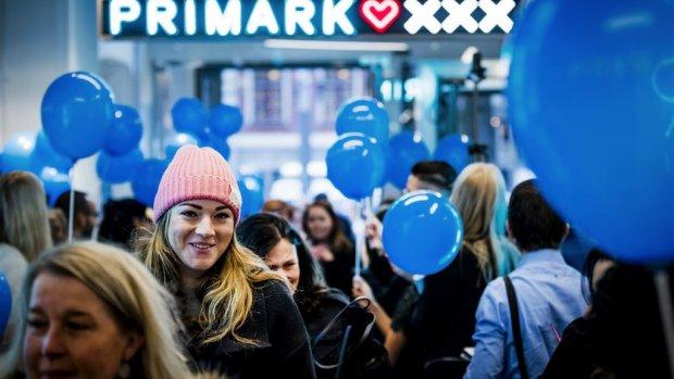 Hoe Primark tegen de trend in groeit door lage prijzen
