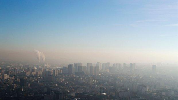 Parijs beperkt autoverkeer door luchtvervuiling