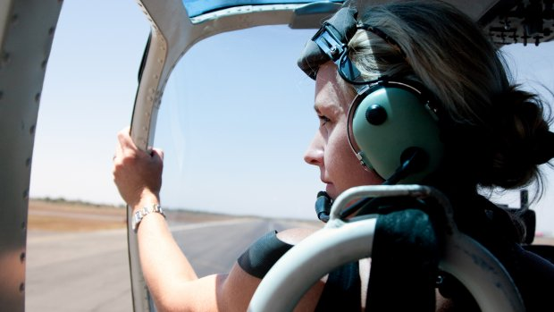 Vrouwelijke piloten in een mannenwereld: 'Met lief kijken kom je echt niet binnen'