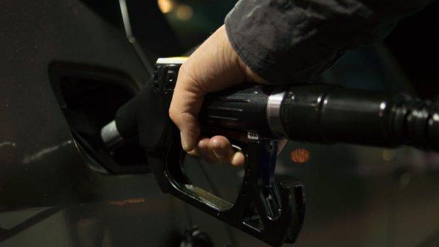 Benzineprijs zakt verder, prijs bij eerste pomp onder 1,40 euro