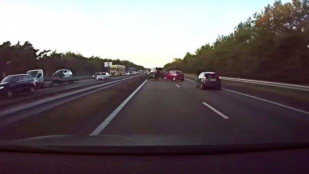 Video van de dag: Tesla remt zelf voordat bestuurder ongeluk ziet