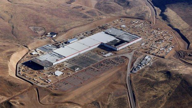 Tesla zet batterijenfabriek aan