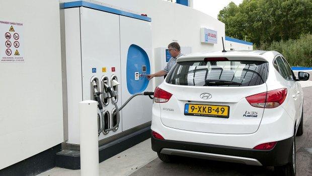 Hoogleraar: waterstof ongeschikt voor auto's