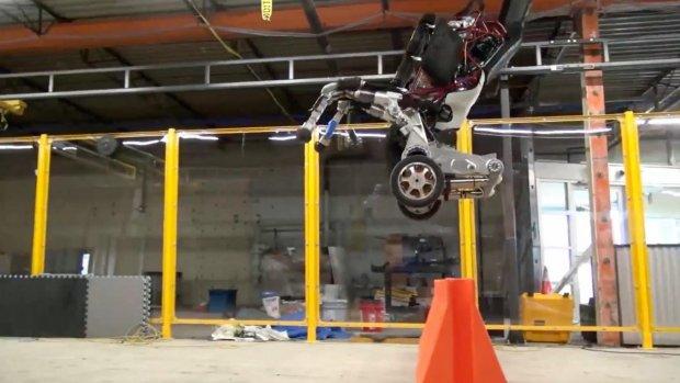 Nieuwe Google-robot rijdt, springt en is best wel eng