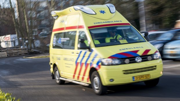 Ontslag voor bellende en sms'ende ambulancechauffeur