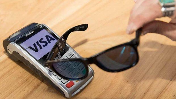 Visa test zonnebril voor contactloos betalen