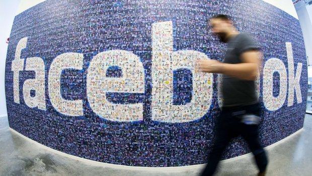 Facebook waarschuwt in krantenadvertenties voor nepnieuws