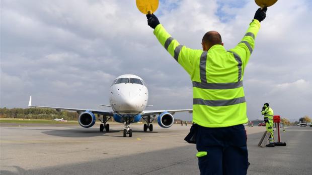 Kortste internationale lijnvlucht (8 minuten) stopt alweer
