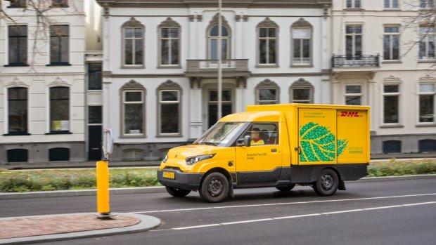 DHL gaat voor 'groen' bezorgen met 400 nieuwe busjes