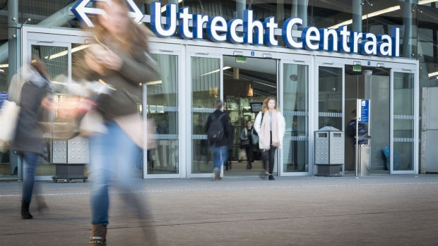 Utrecht Centraal op proef dicht voor mensen zonder ov-chipkaart
