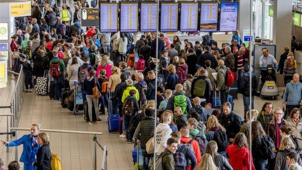 KLM claimt schade mei bij Schiphol