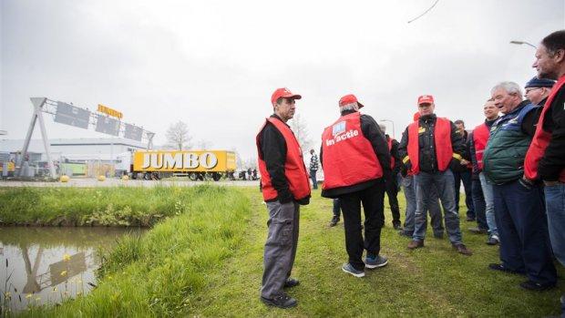 Jumbo wijst vakbonden de deur en komt met eigen cao