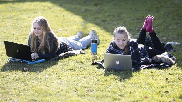 Jongeren onvoorzichtig op onbeveiligde wifi